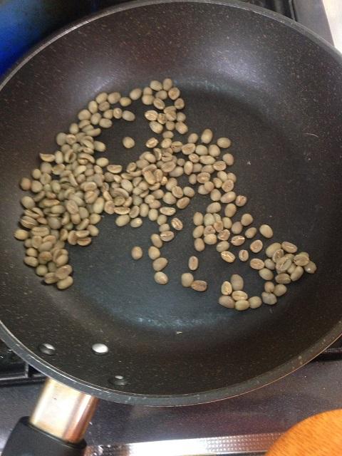 コーヒー豆の自家焙煎前