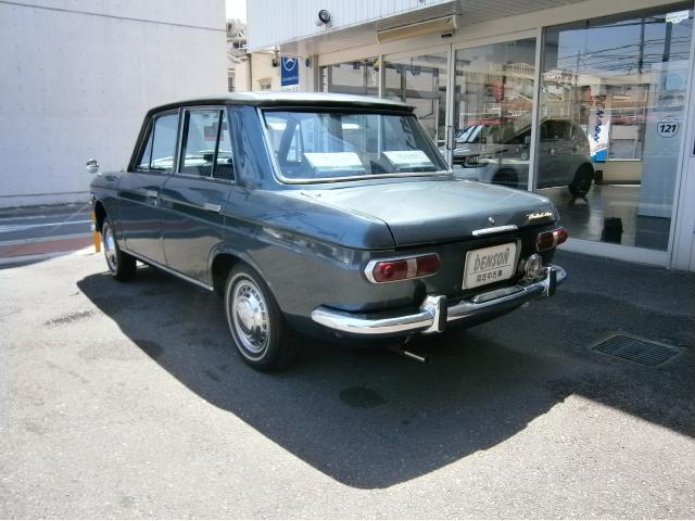 旧車ブルーバード日産