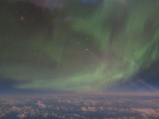 アイスランドオーロラの強さ5飛行機